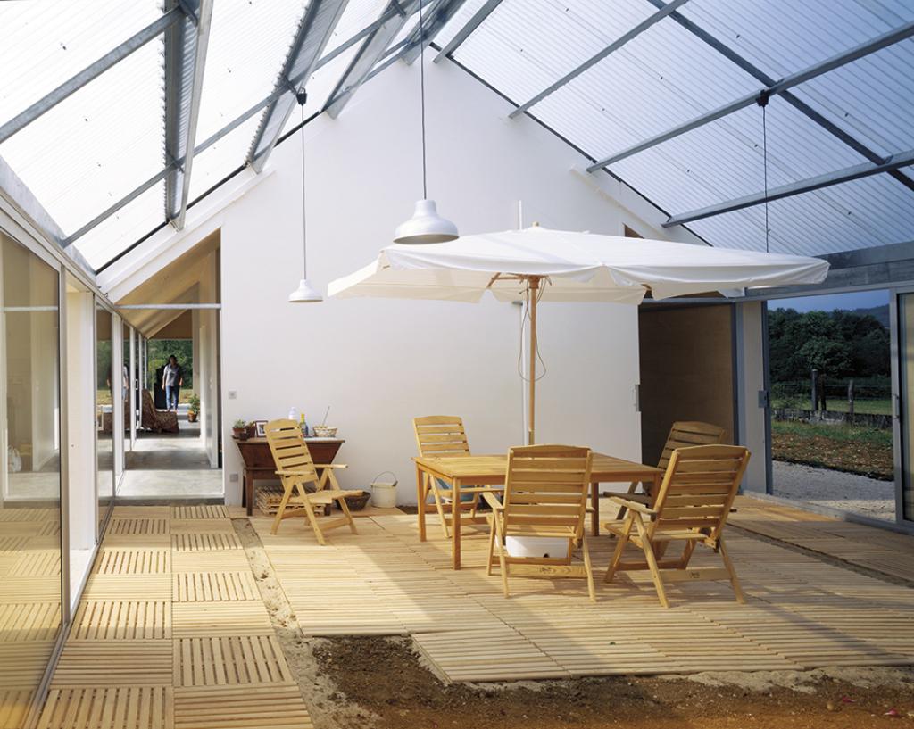 Maison architecte dordogne maison moderne for Z architecture william vassal